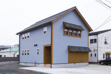 事例012『日本国ブルーグレーの家』
