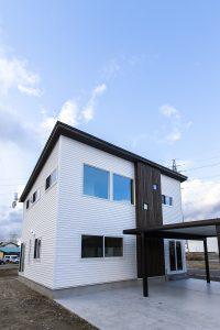 事例013『チワラの白くて四角い家』